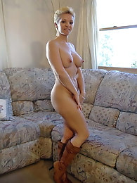 Blondie mature girlfriends take off hot clothes